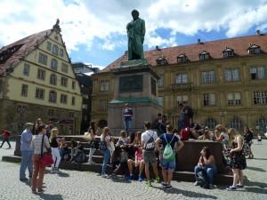 V centru Stuttgartu pod sochou Schillera