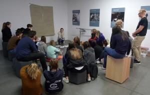 """Úvodní zamyšlení nad pojmem """"Stabilas loci"""" s lektorkou výukového programu paní Schutovou"""
