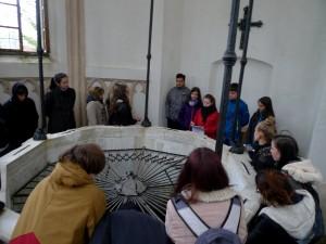 … třeba i u klášterní studny