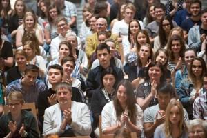 v publiku Báru podporují i naši žáci a pedagogové