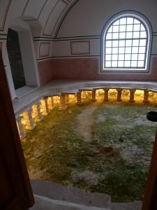 Systém tehdejšího podlahového vytápění.