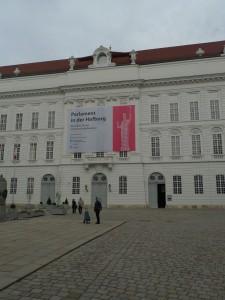 Parlament najdeme provizorně v Hofburku.