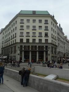 Ornament je zločin, napsal funkcionalistický architekt Adolf Loos, rodák z Brna.