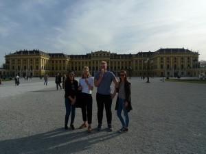 Schönbrunn – letní sídlo panovníka, čas na zmrzlinu.