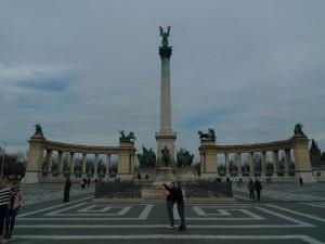 Monumentální Náměstí hrdinů v Pešti.